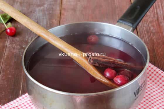 Варим вишневый компот