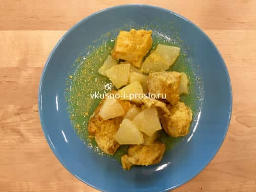 Курица карри с ананасом