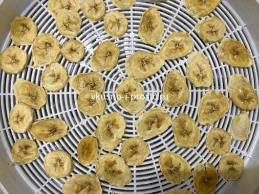 bananovye chipsy_sushka