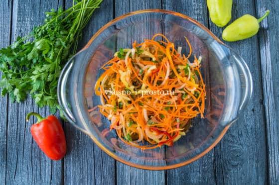 выкладываем слой овощей