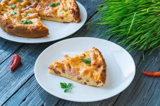 пирог-пицца с колбасой