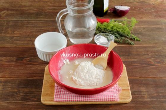 Готовим тесто на чебуреки