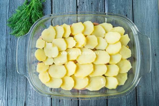 выкладываем второй слой картофеля