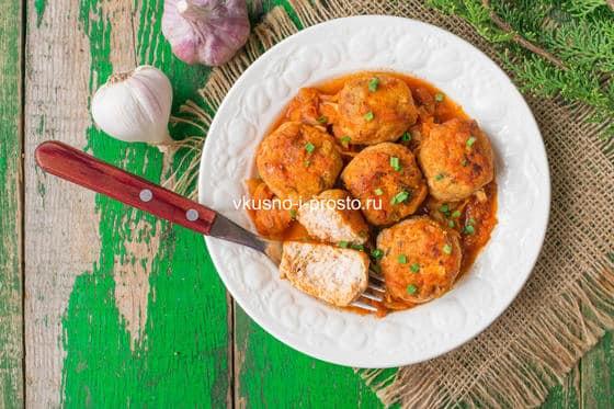 куриные митболы в томатном соусе