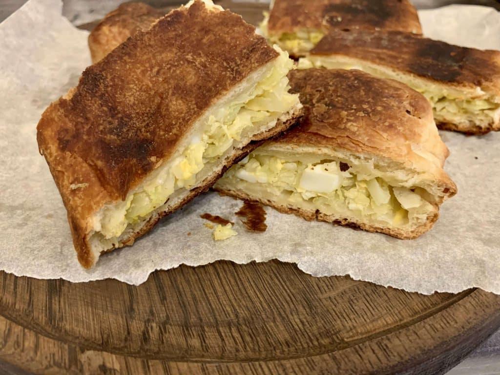 Пирог из свежей капусты
