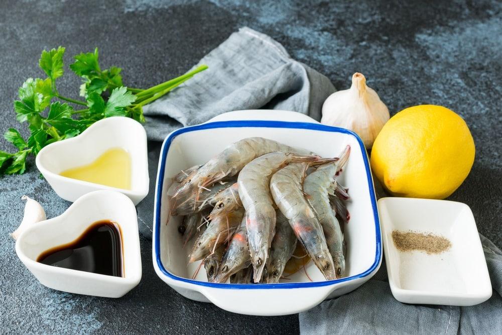 Соевый маринад с лимонным соком и чесноком
