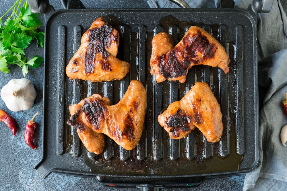 Жарим куриные крылышки до готовности