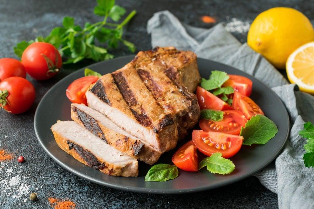 Свинина приготовленная на гриле