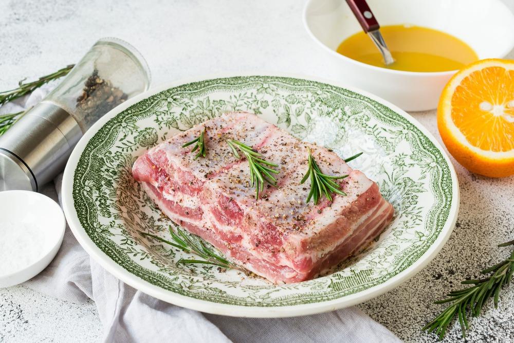Солим и перчим мясо