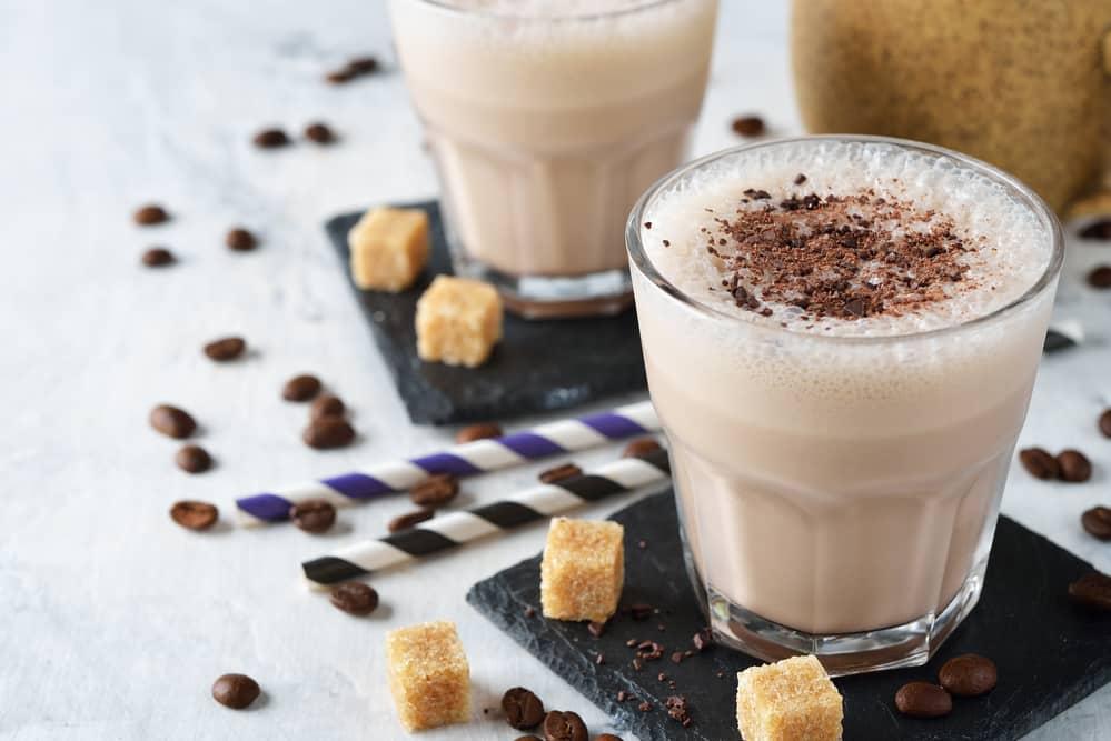 Молочный коктейль Тирамису
