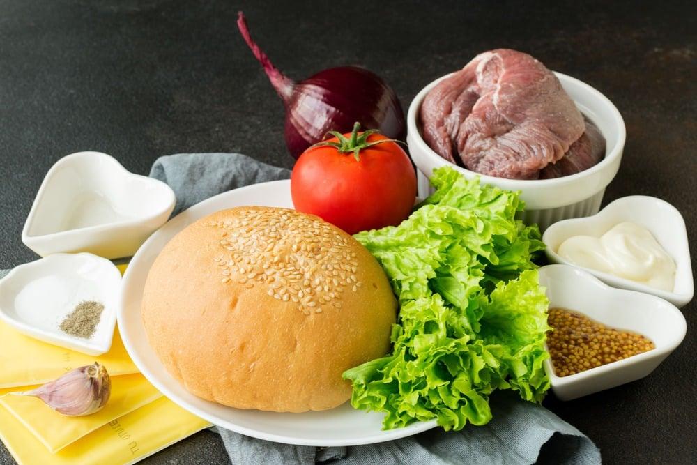 Продукты для приготовления бургера
