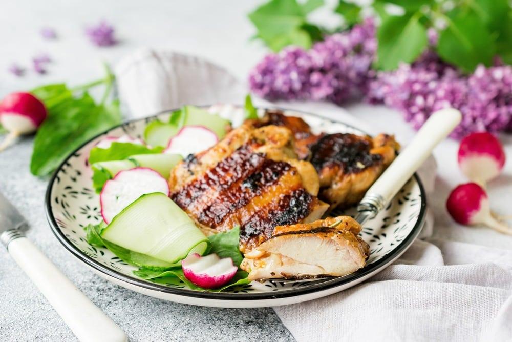 Куриные бедра в чесночно-имбирном маринаде