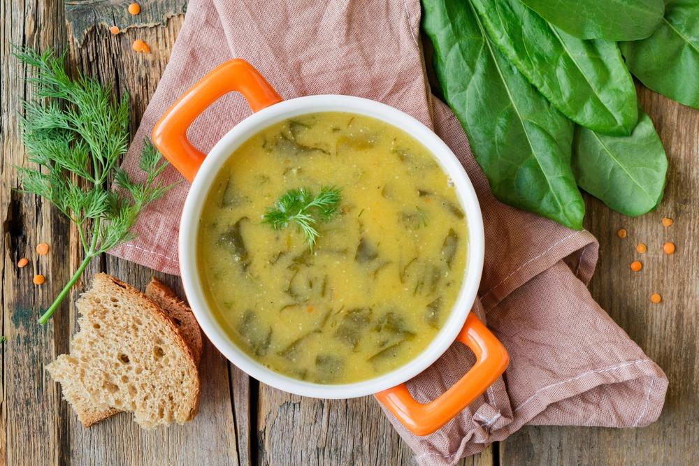 Суп из чечевицы со щавелем