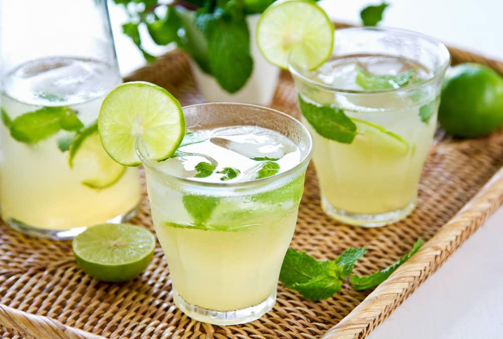 домашний лимонад с мятой и лаймом
