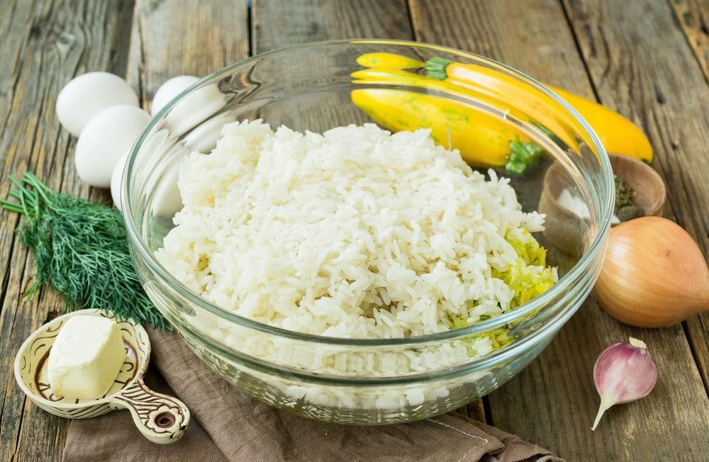 Добавляем отварной рис